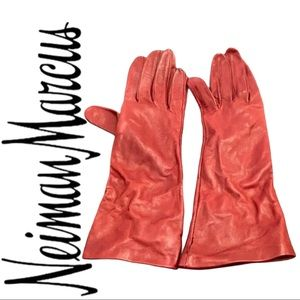 Neiman Marcus Maroon. Leather Gloves Silk Lined